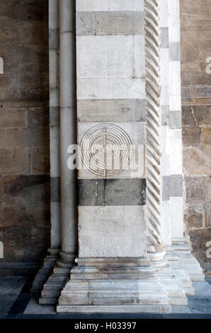 Labyrinth or maze on the right pier of the portico of Lucca Cathedral, Tuscany, Italy - Stock Image