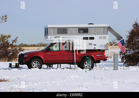 Littleton, Colorado A pop up camper at a campground at Chatfield Reservoir - Stock Image