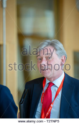 Edinburgh, UK. 4th April, 2019.  Scottish Labour Leader Richard Leonard arriving for First Ministers Questions in the Scottish Parliament. Credit: Roger Gaisford/Alamy Live News - Stock Image