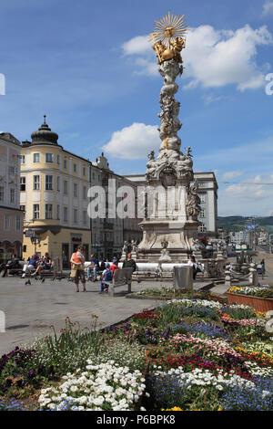 Austria, Upper Austria, Linz, Hauptplatz, Trinity Column, people, - Stock Image