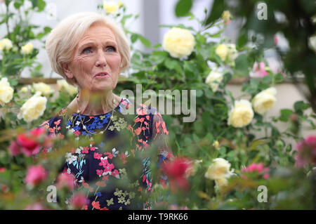 Mary Berry at the RHS Chelsea Flower Show at the Royal Hospital Chelsea, London. - Stock Image