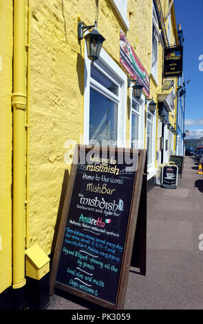 Mishnish Hotel, pub, restaurant & oyster bar in Tobermory on th eiosl eof Mull - Stock Image
