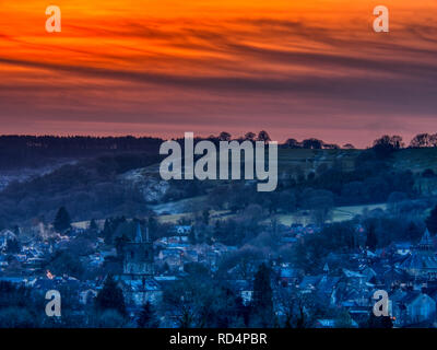 Wirksworth, Derbyshire Dales. 17th Jan 2019. UK Weather: deep red sunset on a cold winters day over Wirksworth in the Derbyshire Dales, Peak District National Park Credit: Doug Blane/Alamy Live News - Stock Image