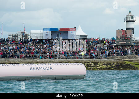 Portsmouth, UK. 25th July 2015. The area around the Fanzone by Southsea Castle is filled with spectators watching - Stock Image