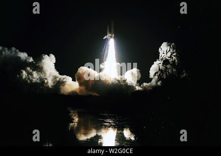 (27 August 1985) --- Launch of the Space Shuttle Discovery and beginning of STS-51I mission. - Stock Image