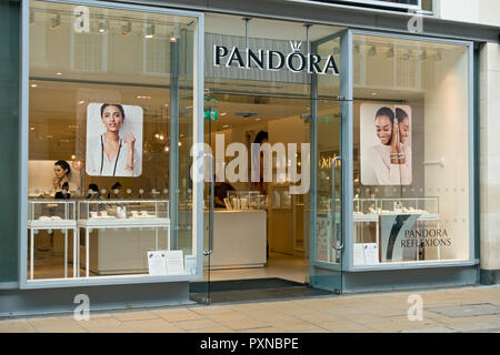 Pandora jewellery store shop Davygate York North Yorkshire England UK United Kingdom GB Great Britain - Stock Image