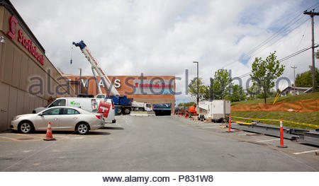 June 22, 2018- St. Johns Newfoundland: Ongoing construction at the Avalon Mall, this photo showing the Cinemas parking lot - Stock Image