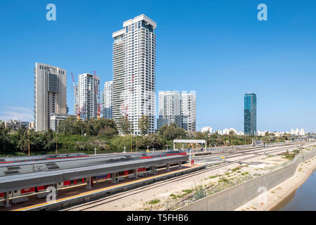 Israel, Tel Aviv-Yafo - 23 February 2019: Ayalon highway and Park Tzameret residential neighborhood in the background - Stock Image