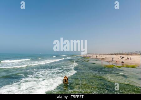 Israel, Tel Aviv-Yafo - 13 April 2019: Secret beach - Stock Image
