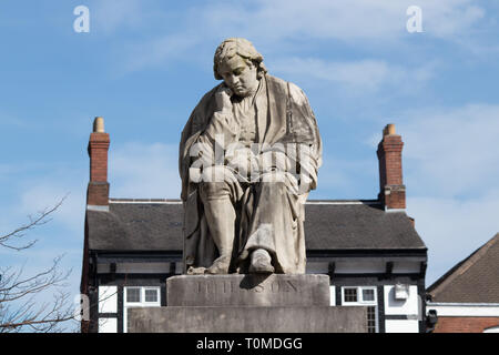 A Statue of Samuel Johnson in Market Square, Lichfield, Staffordshire, UK. - Stock Image