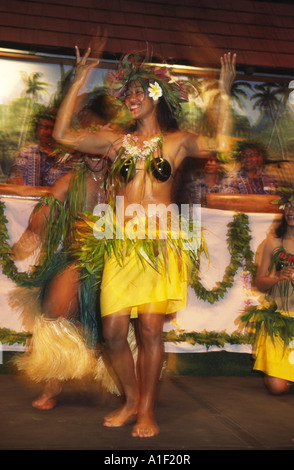 South pacific Cook Islands Aitutaki dance performance on friday night in traditional costume - Stock Image