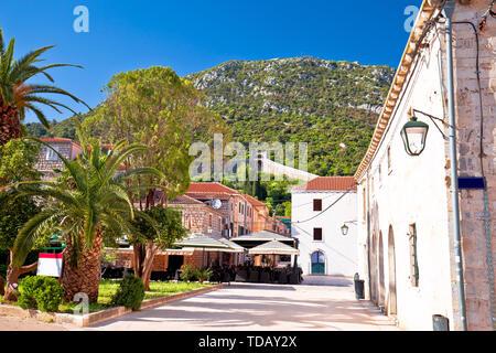 Old stone street of Ston and historic walls view, Dalmatia region of Croatia - Stock Image
