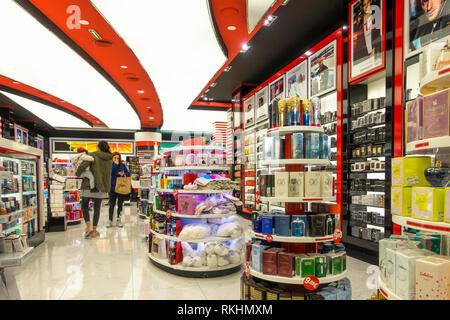 Perfume Shop Primor interior, Perfumeries Primor, women,Malaga, Andalucia, Spain - Stock Image