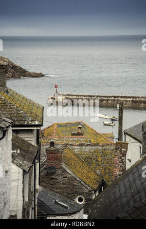 View of Port Isaac harbour in Cornwall, England, UK - Stock Image