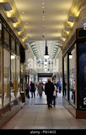 People shopping for jewellery in the Argyll Arcade in Glasgow city centre, Scotland, UK, Europe - Stock Image