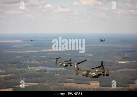 U.S President Donald Trump flying in a V-22 Osprey Aircraft views flooding damage from the air in the aftermath of Hurricane Florence September 19, 2018 near Conway, South Carolina. Florence dumped record amounts of rainfall along the North & South Carolina coast causing widespread flooding. - Stock Image