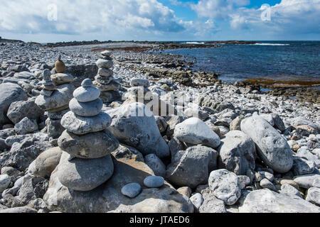 Pebble beach in Arainn, Aaran Islands, Republic of Ireland, Europe - Stock Image