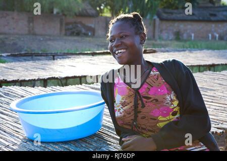 Portrait junge Frau am Malawi See - Stock Image