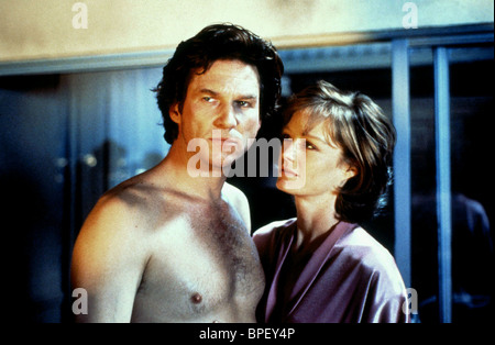 JEFF BRIDGES & SUZY AMIS BLOWN AWAY (1994) - Stock Image