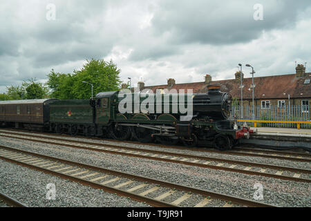 Clun Castle Locomotive at Oxford Station -2 - Stock Image