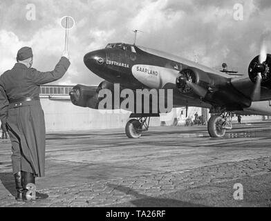 A Focke-Wulf Condor of Deutsche Lufthansa at the Berlin-Rangsdorf Airport. The 'Condor' with the baptismal name 'Saarland' bore the tail number D-ADHR. - Stock Image