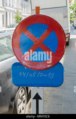 no parking zone sign with smiley on it, antwerp, belgium - Stock Image
