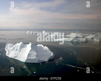 Aerial view of Icebergs immediately offshore from Illulissat, Greenland. - Stock Image