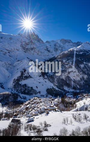 La Grave, Hautes-Alpes, Ecrins National Park, Alps, France: The village of La Grave with La Meije mountain peak in Winter - Stock Image