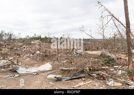 Opelika, Alabama, USA. 08th March, 2019. View of the destruction caused by a massive tornado March 8, 2019 in Beauregard, Alabama. The region was hit by a tornado on March 3rd killing 23 people. Credit: Planetpix/Alamy Live News - Stock Image
