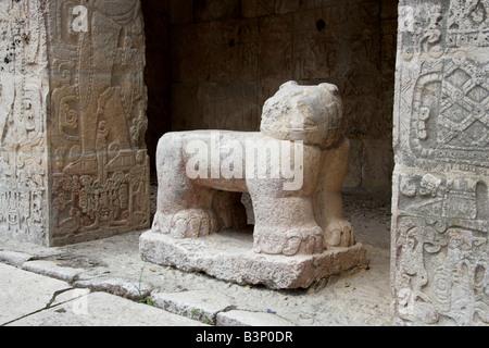 Stone Jaguar at the Entrance to the Great Ballcourt, Juego Pelota, Chichen Itza, Yucatan Peninsular, Mexico - Stock Image