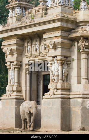 Elephant and its housing in Buenos Aires Zoo A - Stock Image