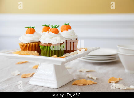 Pumpkin spice cupcakes - Stock Image