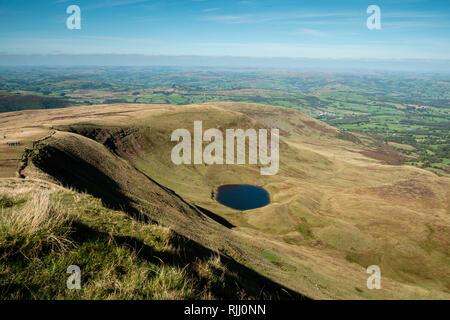 Pen y Fan & Corn Du mountains Brecon Beacons Powys Wales - Stock Image