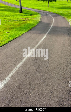 Cycling and walking track in Fannie Bay, Darwin, Northern Territory, Australia. - Stock Image