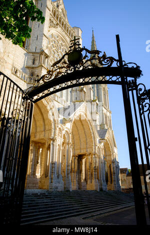 North entrance to Chartres Cathedral from the gate to the Eveche Gardens, France - Stock Image