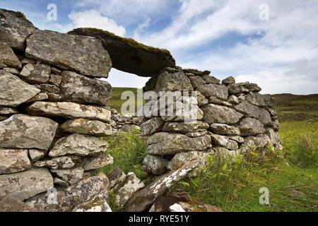 Stone doorway of old ruined croft building, Boreraig, Isle of Skye, Scotland, UK - Stock Image