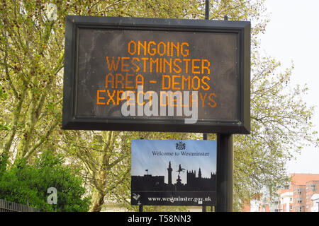Digital Congestion warning sign by the roadside, Vauxhall Bridge Road, Pimlico, London - Stock Image