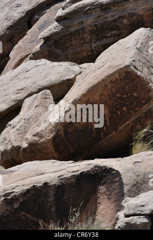 Petroglyphs at Newspaper Rock, Petrified Forest National Park, Arizona, USA - Stock Image