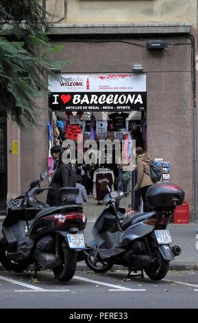 A Tourist Souvenir Shop With A Sign I Love Barcelona In Barcelona City Centre - Stock Image