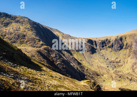The Devils Kitchen in Idwal syncline above Cwm Idwal below Glyder Fawr in Snowdonia National Park. Ogwen, Wales, UK, Britain - Stock Image