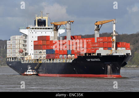 Containervessel Cap Beatrice inbound for Hamburg - Stock Image