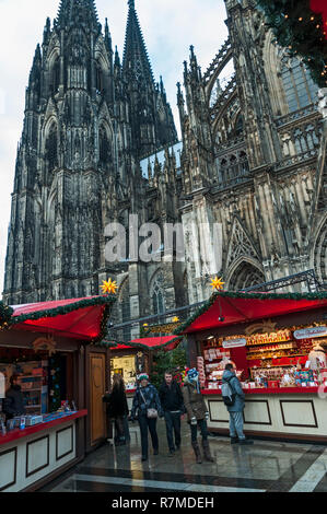Christmas Market & Cathedral, Cologne, Germany. - Stock Image