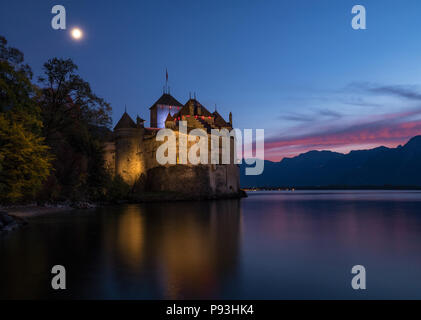 Chillon castle at night - Stock Image