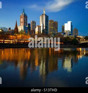 Melbourne city skyline at night - Stock Image