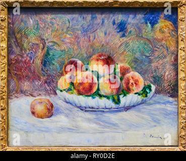 France, Paris, les Tuileries, museum of Orangerie, Pêches by Pierre-Auguste Renoir vers 1882 - Stock Image