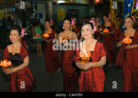 Thailand, Nakhon Ratchasima, Phimai.  Parade through the streets of Phimai during the annual Phimai festival. - Stock Image