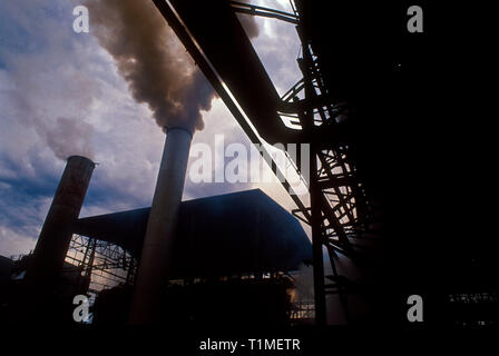 Industrial pollution, alcohol and sugar plant, Mato Grosso do Sul State, Brazil. - Stock Image
