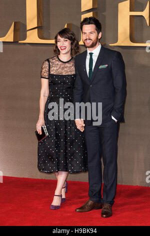 London, UK. 21st November 2016. Lizzy Caplan and Tom Riley attend the UK premiere of Allied, the World War II romantic - Stock Image