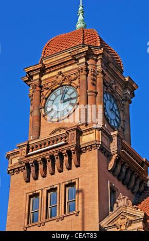 Richmond, Virginia. Main street train station clock tower. - Stock Image