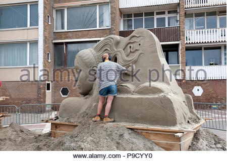 Zandvoort The Netherlands 12th July 2018 On the boulevard on the Dutch seaside resort of Zandvoort artists slowly create works of art in the European  - Stock Image